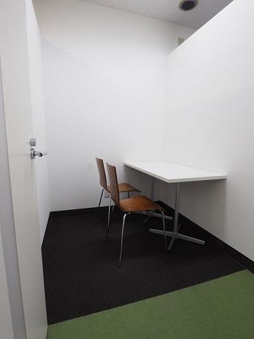シェアオフィスH2区画 家具入2.JPG